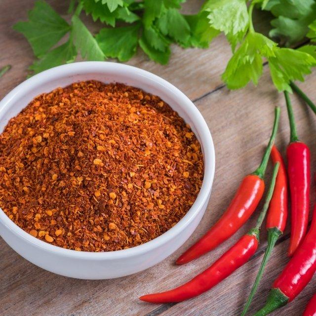 Chili kuppi zonnic nikotiininuuskan maustamisen apuna.
